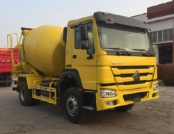 Sinotruk howo cement transport vehicle